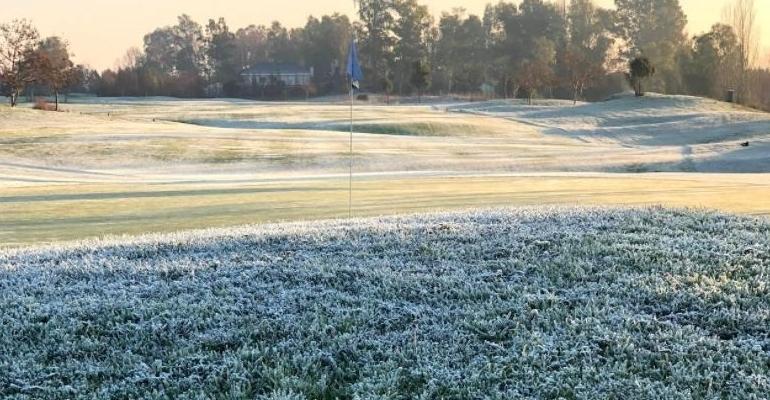 '¿Por qué no se debe salir a jugar cuando el campo de golf está helado?', por Javier Fuentes